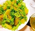 オレンジとレタスのサラダ