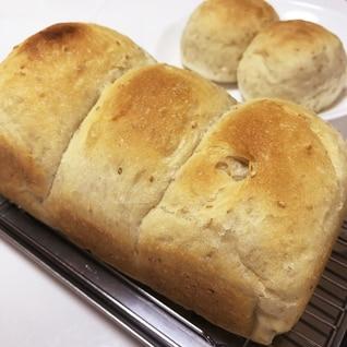 上新粉入りの1.5斤ゴマ食パン