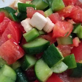 作り置きレシピ! トマトときゅうりのマリネ風