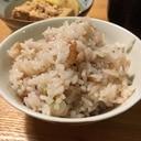 梅干しと塩昆布の炊き込みご飯