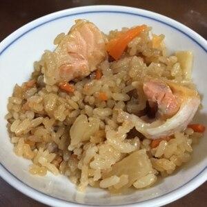 油がじゅわわ~ん♪鮭ハラスの炊き込み飯