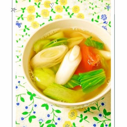 青梗菜とトマトの青ネギスープ