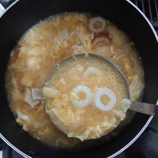 ちくわと油揚げと卵のお味噌汁