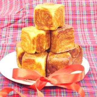 デニッシュ生地でミニミニ食パン