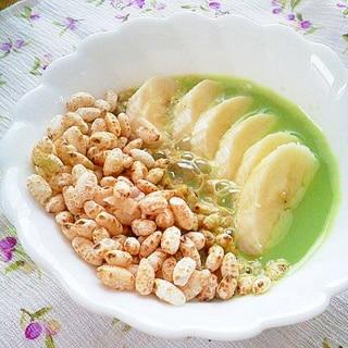 お手軽朝食!玄米ポンとバナナの抹茶オレボウル