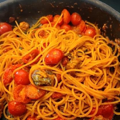 生で食べるにはやわらかくなりすぎたミニトマトで。子供たちに大好評でした✩.*˚