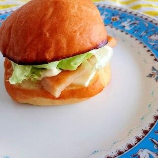 コストコのマスカルポーネロールで作るおでんパン