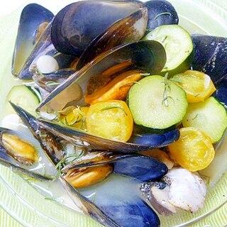 国産ムール貝、野菜と合わせて蒸し煮
