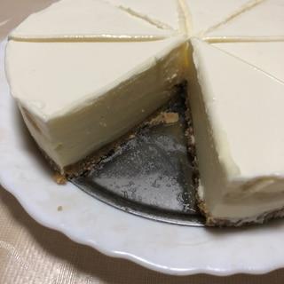 濃厚だけどサッパリ?!レアチーズケーキ