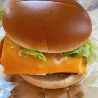 市販のハンバーガーを美味しくアレンジ