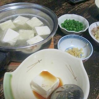 昆布茶で美味しい♪湯豆腐