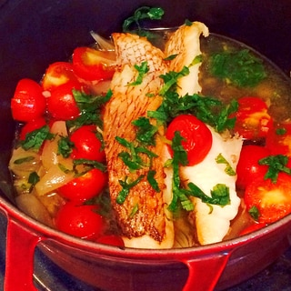 真鯛の切り身で!ストウブ鍋の簡単アクアパッツァ