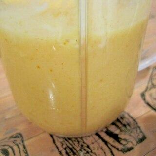 みかんと柿のヨーグルトスムージー