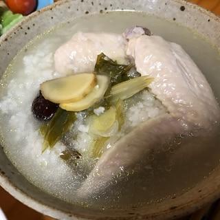 薬膳スープの参鶏湯