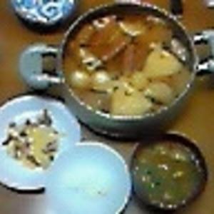 さっと汁物!油揚げと豆腐のお味噌汁