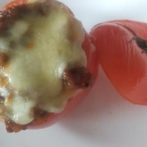焼いたチーズがたまらん!トマトとひき肉のチーズ焼き