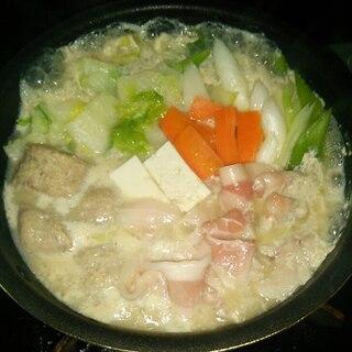 おうちにあるものだけでポカポカ豆乳鍋スープ