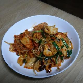 鶏肉のキムチ炒め