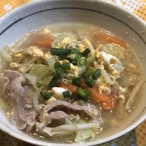 体が温まる♪豚肉とキャベツの春雨スープ