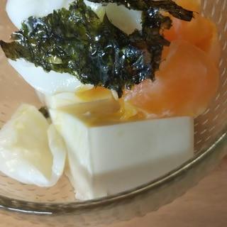 韓国海苔と温玉豆腐