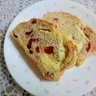 ドライクランベリー入りフランスパン