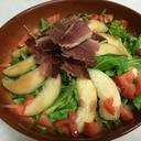 簡単【生ハムと桃のサラダ】