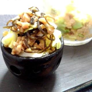 ひきわり納豆と漬けおきキャベツの塩こんぶ(*´ω`