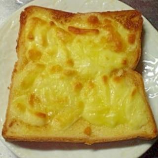 マヨネーズチーズトースト
