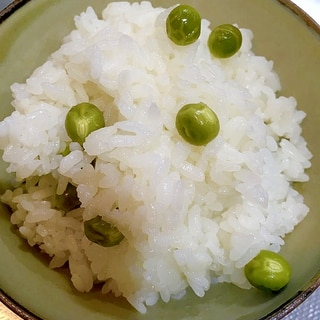 炊飯器で炊くグリーンピースごはん