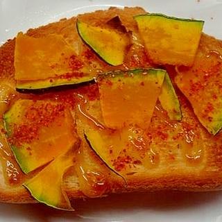 カボチャと味唐辛子の焦がしマヨフランスパントースト