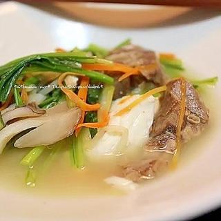 テールスープと豆腐と野菜の煮込み