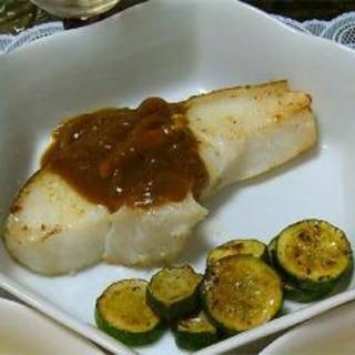 白身魚のムニエル 昨日の残りのカレーソース