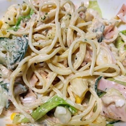 マカロニの代わりにサラダスパゲティで作りました!コーンとハムも追加で入れました。ヨーグルトや胡椒で作るソース美味しかったです!
