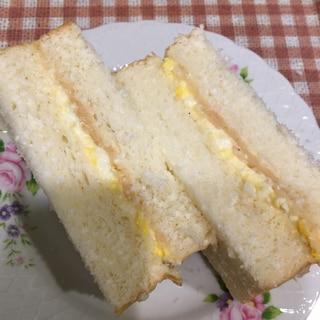 明太マッシュポテトと卵のサンドイッチ
