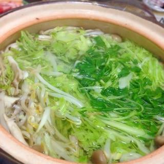 時間がない日の夕食に!野菜たっぷり豚シャキ鍋