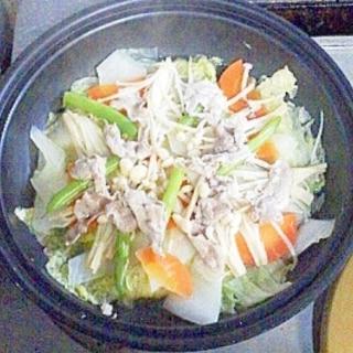 豚肉と野菜たっぷりタジン鍋