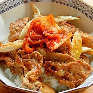 5分❤焼肉のタレ&マヨで豚丼♪(ネギ&キムチ)