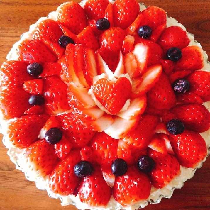 バレンタイン❤️苺たっぷりハートのレアチーズケーキ
