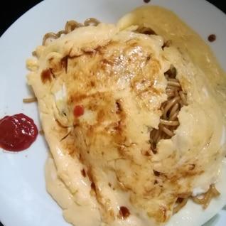 フライパンで簡単オム焼きそば(ちゃんぽん麺)肉なし