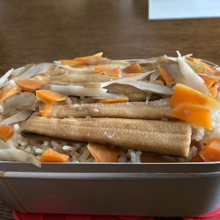 メスティンで簡単アナゴの炊き込みご飯