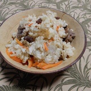 ウイグル料理 ポロ(ラム肉の炊き込みご飯)