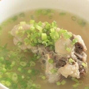 じっくり煮込んだ☆ 「牛テールスープ」