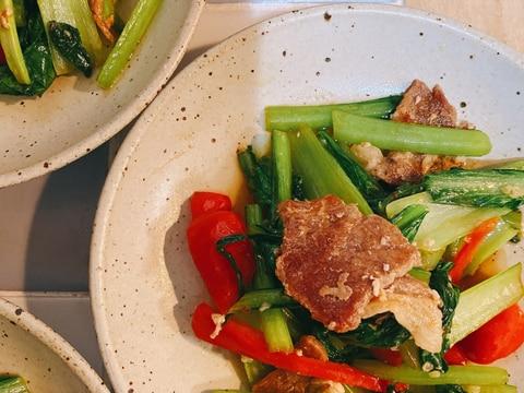 小松菜とパプリカの塩麹炒め