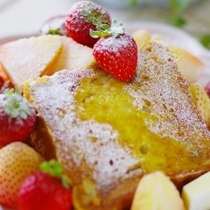 苺をたっぷり♪春のフレンチトースト