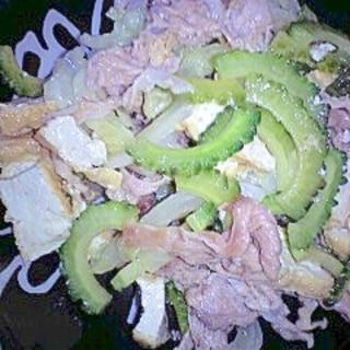 ゴーヤと厚揚げと豚肉、キャベツの麺つゆ炒め
