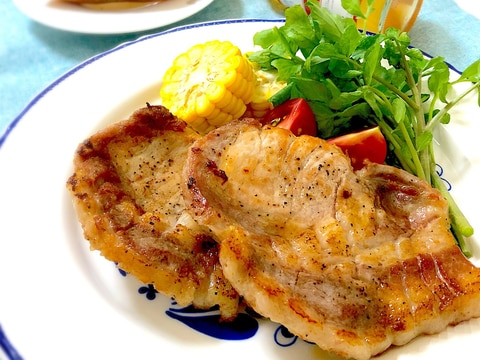 脂が旨い♪豚肉のリブロースステーキ
