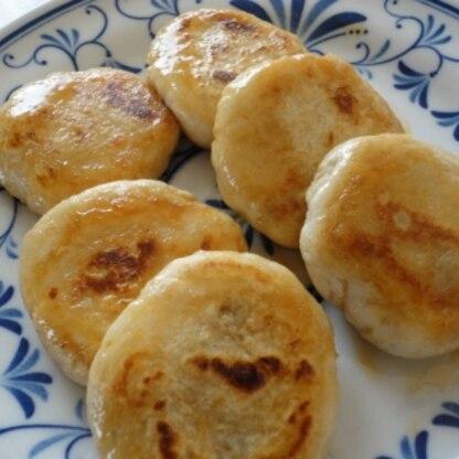 こんにちは~(^-^) いつも煮物ばっかりの里芋が新しいレシピで新鮮でした! もちもちで甘辛がおいしかったです。 ごちそうさまです☆