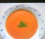 赤パプリカで彩り鮮やか豆乳ポタージュ