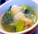 手羽元とチンゲン菜の中華スープ