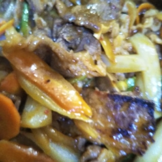 牛肉と野菜の赤味噌炒め(◍•ᴗ•◍)